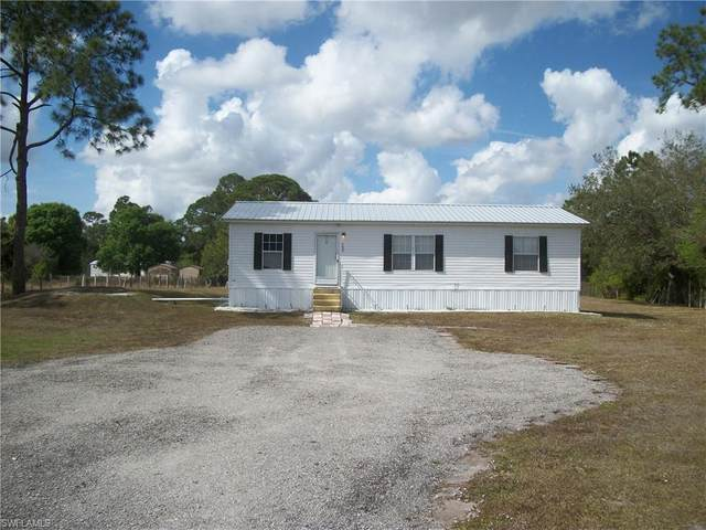 580 N Kennel Street, Clewiston, FL 33440 (MLS #221010115) :: Kris Asquith's Diamond Coastal Group