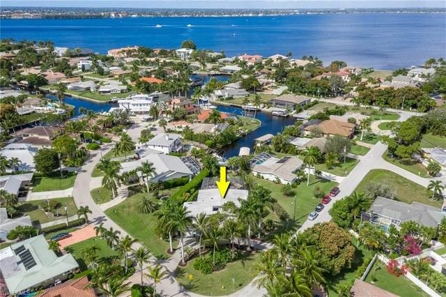500 Keenan Avenue, Fort Myers, FL 33919 (MLS #221010703) :: The Naples Beach And Homes Team/MVP Realty