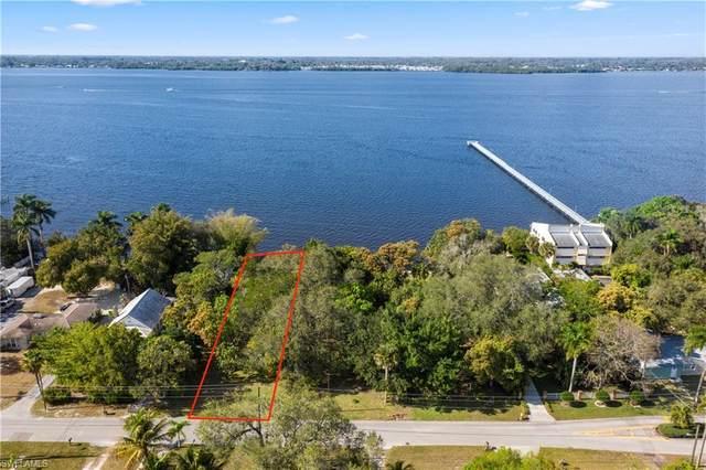 3367 E Riverside Drive, Fort Myers, FL 33916 (MLS #221010950) :: Clausen Properties, Inc.