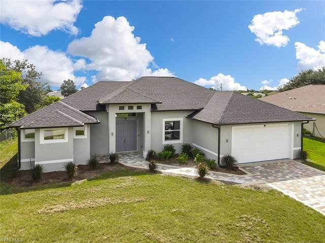 5303 Centennial Boulevard, Lehigh Acres, FL 33971 (#221011193) :: The Michelle Thomas Team