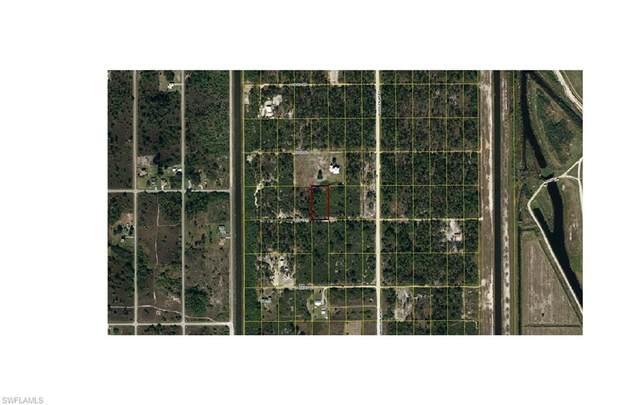 7824 18th Terrace, Labelle, FL 33935 (#221011259) :: The Dellatorè Real Estate Group