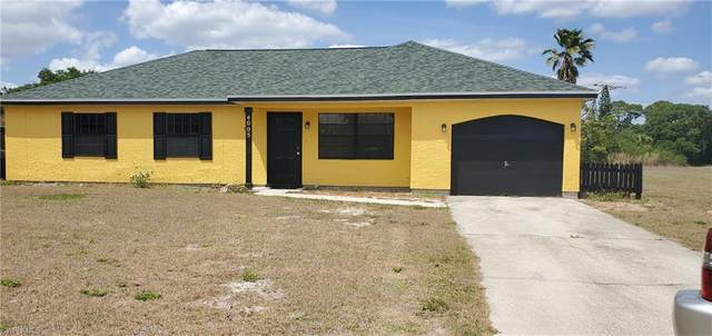 4005 W Sunflower Circle, Labelle, FL 33935 (MLS #221011747) :: NextHome Advisors