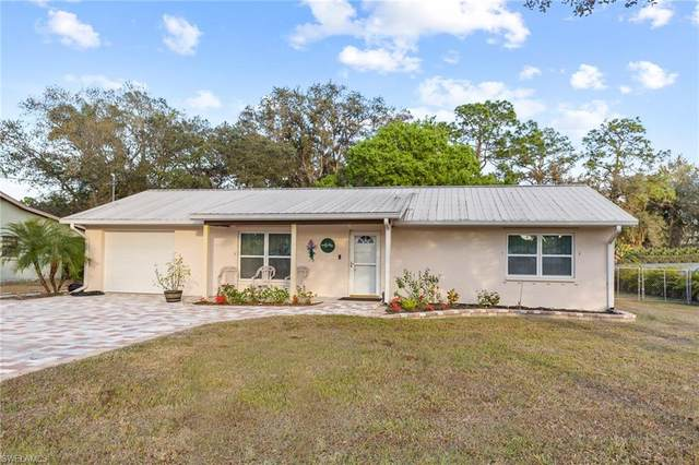 55 Hardee Street, Labelle, FL 33935 (#221011844) :: Vincent Napoleon Luxury Real Estate