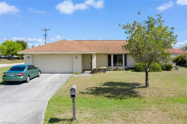 1425 SE 8th Place, Cape Coral, FL 33990 (MLS #221013657) :: Domain Realty