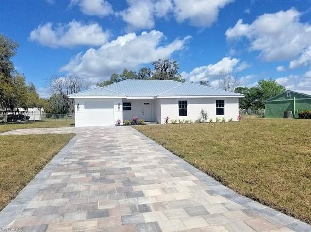 4044 S Edgewater Circle, Labelle, FL 33935 (MLS #221013773) :: Clausen Properties, Inc.