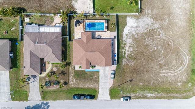 22 SW 21st Place, Cape Coral, FL 33991 (#221013896) :: The Dellatorè Real Estate Group