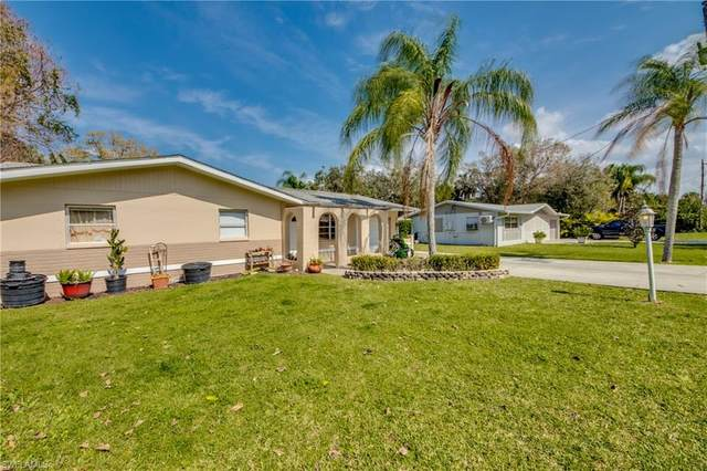 700 Muscogee Drive, North Fort Myers, FL 33903 (MLS #221013928) :: The Naples Beach And Homes Team/MVP Realty