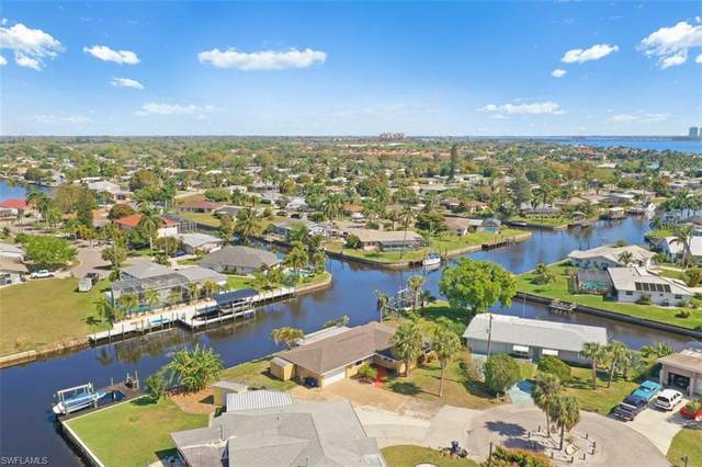 4353 S Canal Circle, North Fort Myers, FL 33903 (MLS #221014327) :: Premier Home Experts