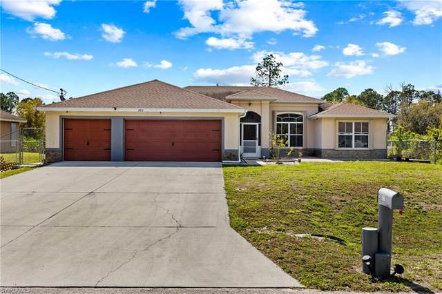 2811 4th Street SW, Lehigh Acres, FL 33976 (MLS #221014712) :: Domain Realty