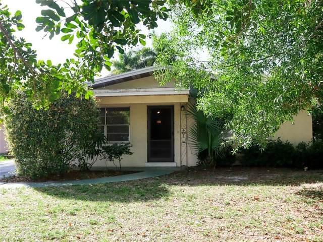 4020 Edgewood Avenue, Fort Myers, FL 33916 (MLS #221015399) :: Clausen Properties, Inc.