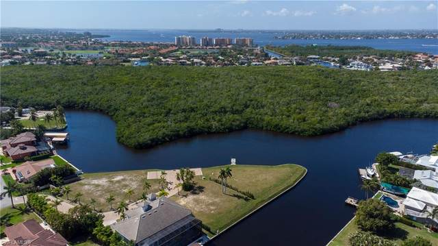 14211 Bay Drive, Fort Myers, FL 33919 (MLS #221015626) :: Realty Group Of Southwest Florida