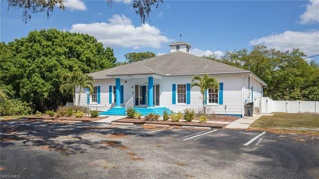 4334 Laura Street, Port Charlotte, FL 33980 (MLS #221015853) :: RE/MAX Realty Group