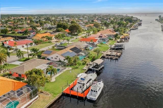 2006 SE 28th Street, Cape Coral, FL 33904 (#221016414) :: The Dellatorè Real Estate Group