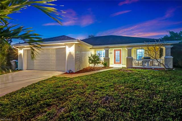 817 NE 6th Avenue, Cape Coral, FL 33909 (MLS #221017116) :: Team Swanbeck