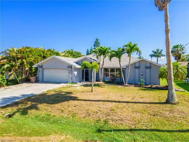 2702 SW 53rd Lane, Cape Coral, FL 33914 (MLS #221017243) :: Florida Homestar Team