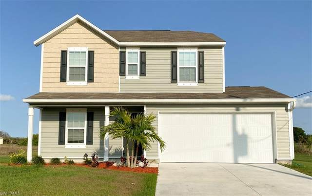 8021 Mangrove Circle, Labelle, FL 33935 (MLS #221017357) :: Domain Realty