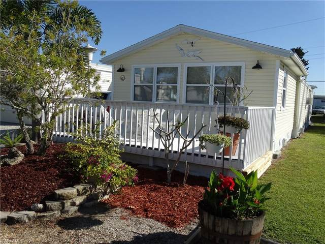 41 Helen Lane, Fort Myers Beach, FL 33931 (#221017486) :: The Dellatorè Real Estate Group