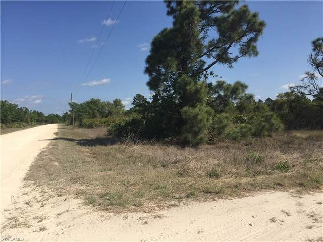7690 23rd Place, Labelle, FL 33935 (MLS #221020838) :: Realty World J. Pavich Real Estate