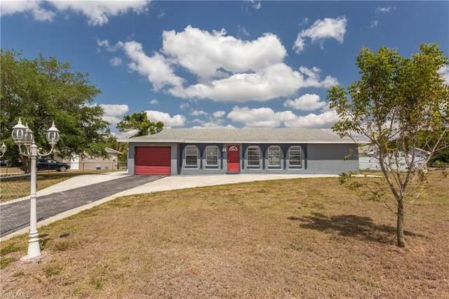 300 Schoolside Drive, Lehigh Acres, FL 33936 (MLS #221021919) :: #1 Real Estate Services