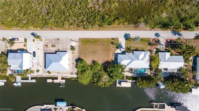 3881 Galt Island Avenue, St. James City, FL 33956 (MLS #221022632) :: Domain Realty