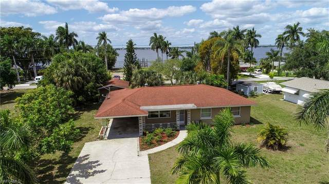 3945 Edgewood Avenue, Fort Myers, FL 33916 (MLS #221024221) :: Realty Group Of Southwest Florida