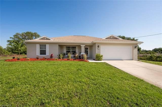 3020 50th Street SW, Lehigh Acres, FL 33976 (#221025008) :: Caine Luxury Team