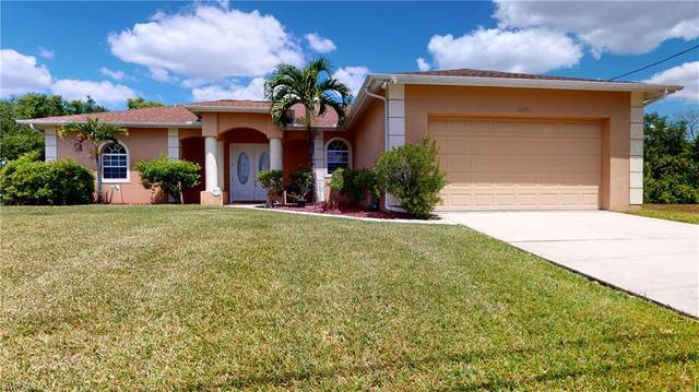 2225 NE 25th Terrace, Cape Coral, FL 33909 (MLS #221025608) :: Eric Grainger | Jason Mitchell Real Estate