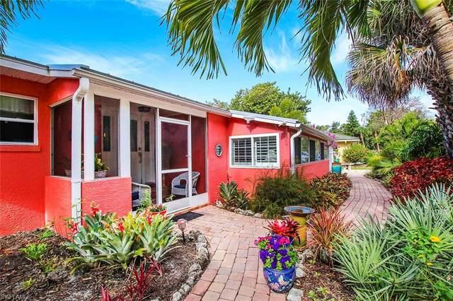 5859 Pine Tree Drive, Sanibel, FL 33957 (#221025639) :: Caine Luxury Team