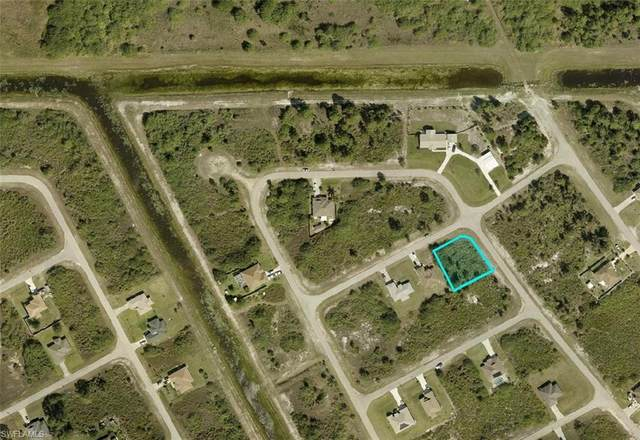 218 Parson Street, Lehigh Acres, FL 33974 (MLS #221025930) :: Premier Home Experts