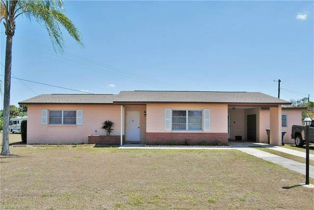 1202 Barnsdale Street, Lehigh Acres, FL 33936 (MLS #221027085) :: Wentworth Realty Group