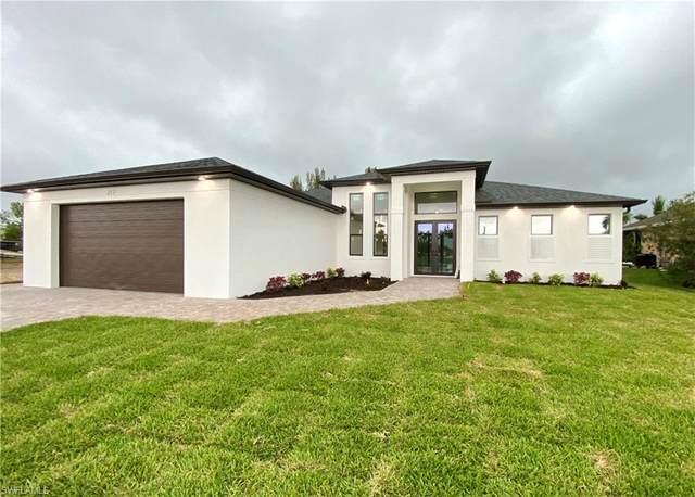 217 SW 21st Street, Cape Coral, FL 33991 (#221027203) :: The Dellatorè Real Estate Group