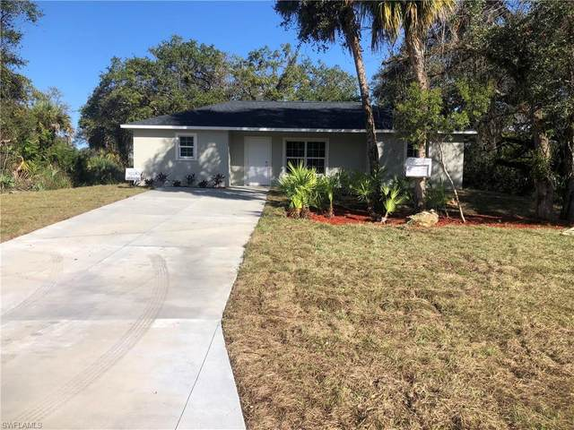 1056 Leader Court, Labelle, FL 33935 (MLS #221027531) :: Wentworth Realty Group