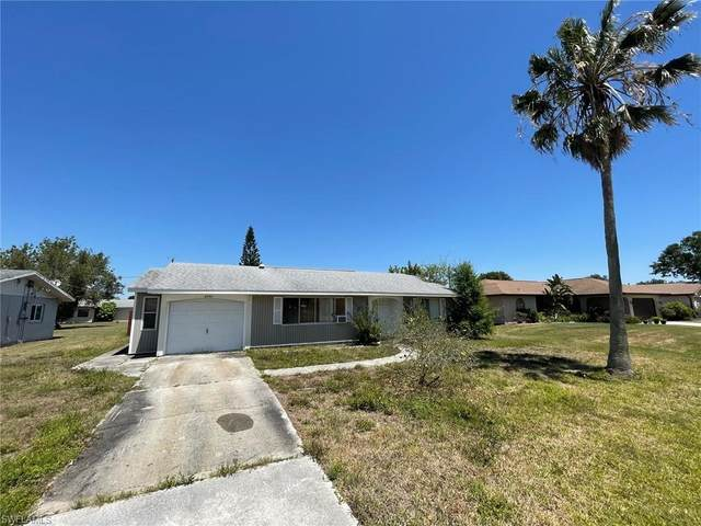 2346 Lake View Boulevard, Port Charlotte, FL 33948 (MLS #221027782) :: Wentworth Realty Group