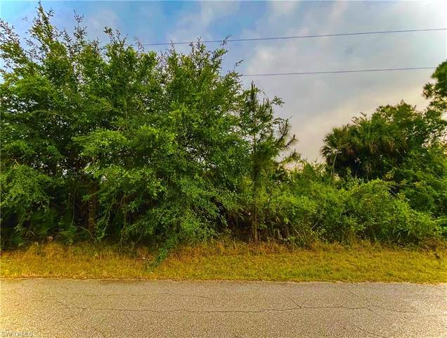 4102 E 13th Street, Lehigh Acres, FL 33972 (MLS #221028327) :: Avantgarde