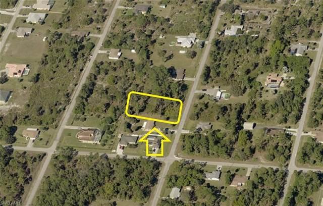 705 Clayton Avenue, Lehigh Acres, FL 33972 (MLS #221028696) :: Premier Home Experts
