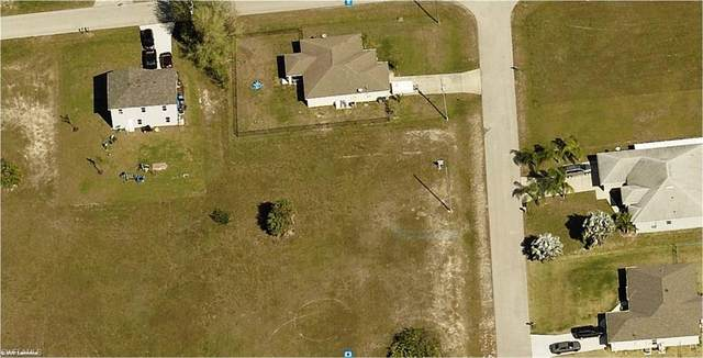 2828 NE 1st Place, Cape Coral, FL 33909 (MLS #221028882) :: Medway Realty