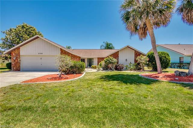 3709 SE 6th Avenue, Cape Coral, FL 33904 (MLS #221028975) :: Clausen Properties, Inc.