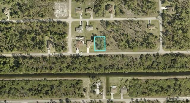 937 Alcalde Street E, Lehigh Acres, FL 33974 (MLS #221029105) :: #1 Real Estate Services