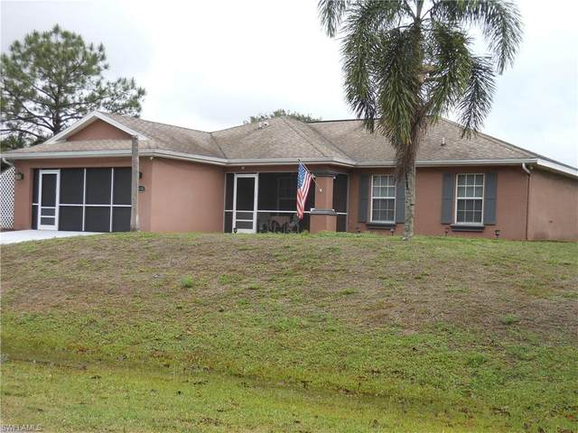 418 Paulcrest Avenue, Lehigh Acres, FL 33974 (#221029152) :: Caine Luxury Team