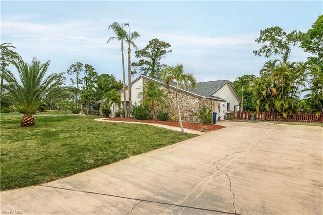 2462 Round Table Court, Fort Myers, FL 33912 (MLS #221029253) :: Tom Sells More SWFL   MVP Realty