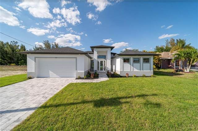 827 SW 28th Terrace, Cape Coral, FL 33914 (MLS #221029298) :: Clausen Properties, Inc.
