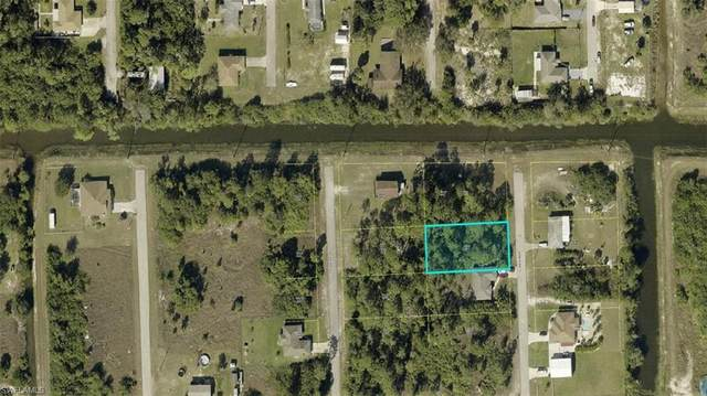 52 Wanda Avenue S, Lehigh Acres, FL 33976 (MLS #221029334) :: Coastal Luxe Group Brokered by EXP