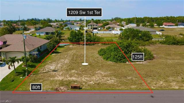 1209 SW 1st Terrace, Cape Coral, FL 33991 (MLS #221029743) :: Medway Realty