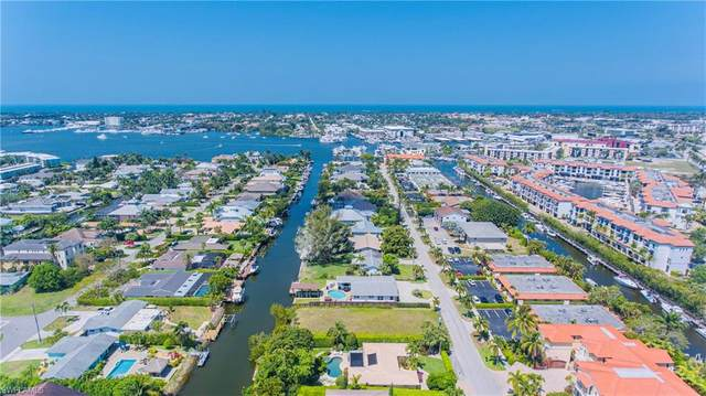 1598 Curlew Avenue, Naples, FL 34102 (MLS #221029793) :: Wentworth Realty Group