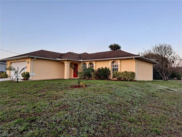 3319 NE 8th Place, Cape Coral, FL 33909 (#221030278) :: Caine Luxury Team