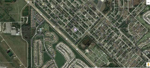 5120/5122 30th Street SW, Lehigh Acres, FL 33973 (MLS #221030419) :: Coastal Luxe Group Brokered by EXP