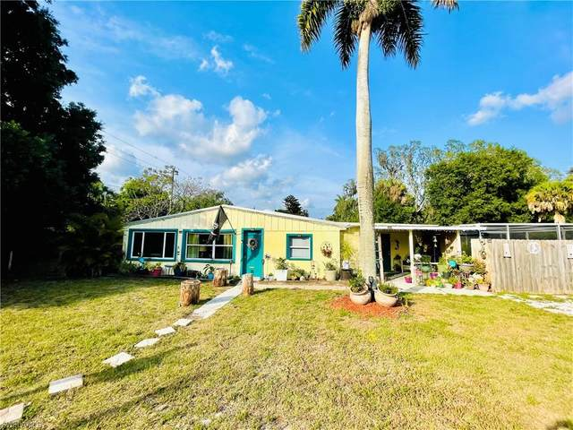 3704 Edgewood Avenue, Fort Myers, FL 33916 (#221031239) :: The Michelle Thomas Team