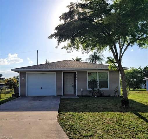 2148 Barker Boulevard, Fort Myers, FL 33916 (#221031651) :: Jason Schiering, PA