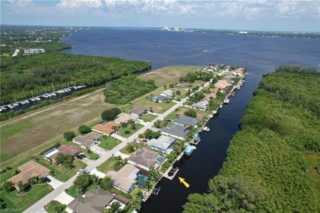 2312 Coral Point Drive, Cape Coral, FL 33990 (#221032969) :: Southwest Florida R.E. Group Inc