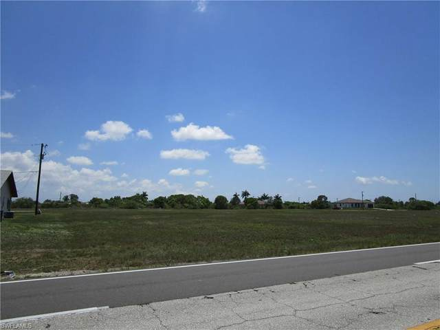 406 Diplomat Parkway E, Cape Coral, FL 33909 (#221034013) :: Southwest Florida R.E. Group Inc